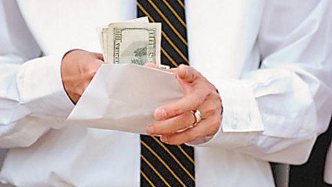 Зарплата «в конверте» — последние дни?
